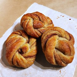 VEGAN CARDAMOM KNOT (Leeds Bread Co-Op)